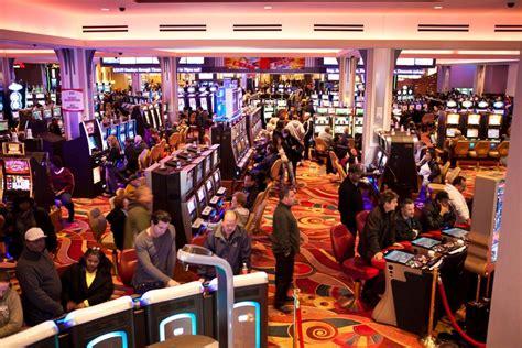 indian casinos gambling age
